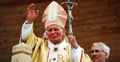 Nasi uczniowie w 100. rocznicę urodzin Jana Pawła II